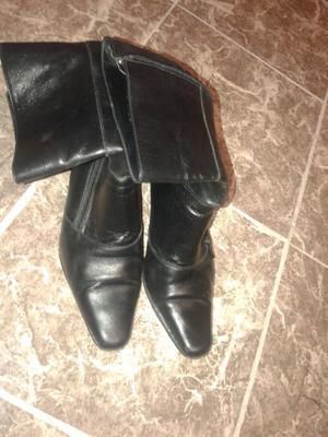 Vendo botas número 38, con poco uso