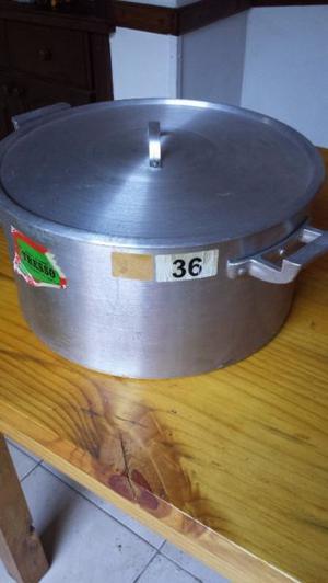 olla de aluminio nº 36, excelente estado