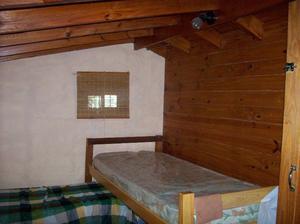 vendo 4 camas de una plaza con colchon.muy buen estado.zona