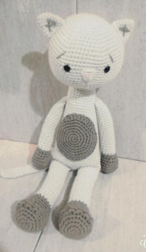 Muñeco gato amigurumi tejido a crochet
