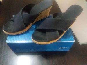 Sandalias Negras Usadas