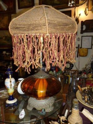 Antigua Lámpara De Mesa Bronce Y Vidrio Con Pantalla.