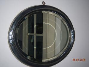 Espejo Oval de Cristal Biselado - Marco a la hoja de Plata -