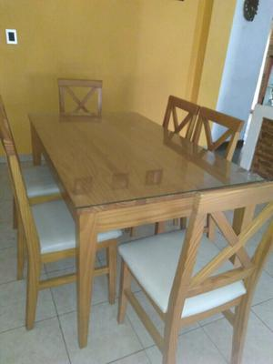 Mesa de madera maciza y 6 sillas