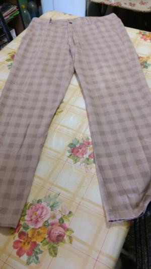 Pantalón nuevo talle 44