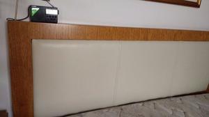 Sommier de 1.6 m x 2m Respaldo y mesas de luz