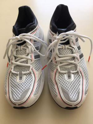 Zapatillas Running Adidas talle 43.5. Sin Uso. Impecables