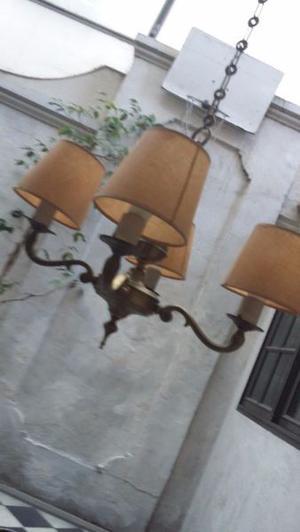antigua arana de bronce de cuatro luces