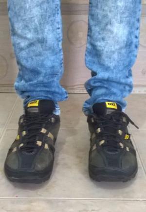 zapatillas de trabajo marca Oxigeno talle 39 (originales)