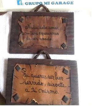 2 cuadritos antiguos con frases.