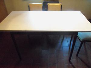 Juego de comedor diario usado:mesa base metal y tabla de