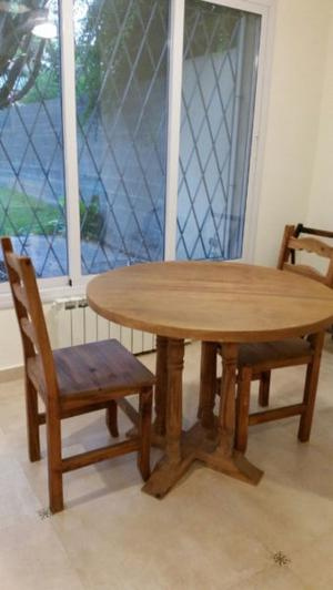 Juego de mesa cocina / comedor con 4 sillas. Madera, color