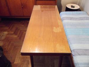 Mesa plegable de madera. Muy buen estado, aunque con