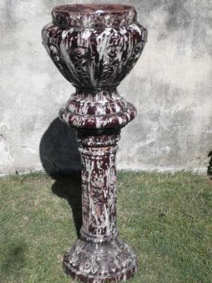 Pedestal de cerámica esmaltada. Ideal para decorar