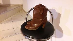 Vendo botas texanas nada de uso