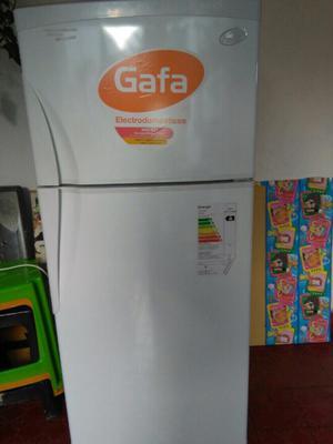 Heladera Gafa HGF 357AW (Nueva, sin uso)