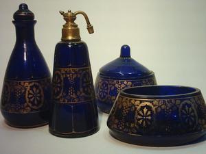 Juego Antiguo de Toilette en Cristal Azul y Oro