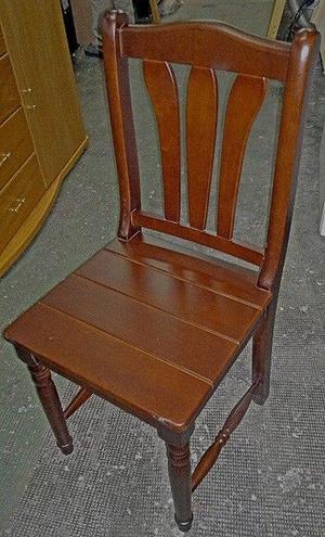 Silla tipo campo, madera Marupa, patas torneadas, asiento