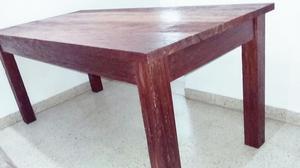 Vendo mesa de cedro moro. Capacidad para 8 sillas impecable