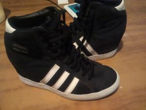 Zapatillas Adidas casi nuevas