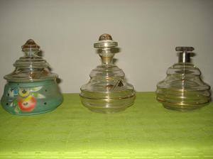 antiguo set de toilette de vidrio y pintado.3piezas.preciox3