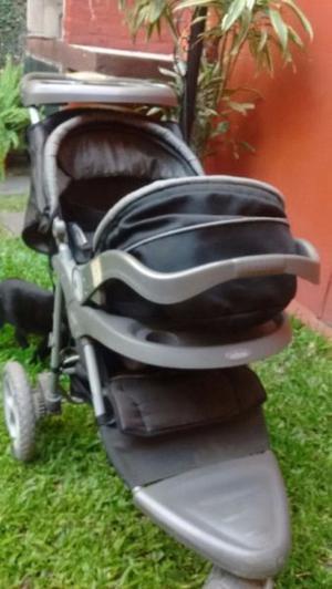 Cochecito Infanti tres ruedas con huevito incorporado