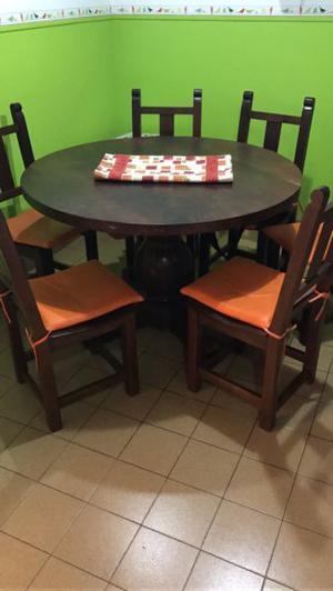 Mesa algarrobo con 6 sillas haciendo juego