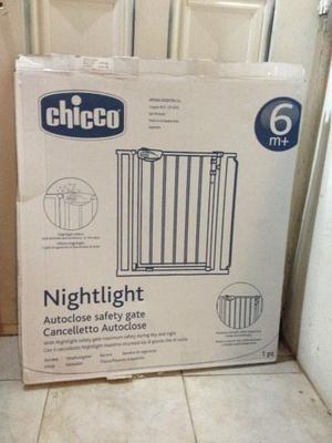 Puerta de Seguridad para escalera marca CHICCO