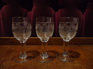3 copitas de cristal tallado