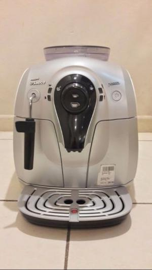 Cafetera Express Philips Saeco Xsmall Hd