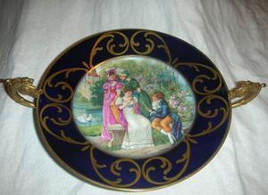 Antiguo Centro de mesa en Porcelana Francesa:Chateau des