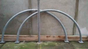 Arcos de metal