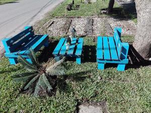 Bancos de madera, juego de jardín rustico