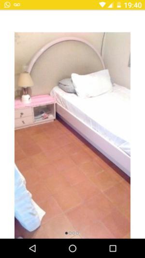 Cama 1 1/2 c/respaldo+colchón+mesa de luz+perchero