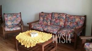 Juego de sillones de algarrobo macizo con almohadones