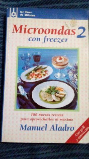 Libro de cocina con microondas y freezer