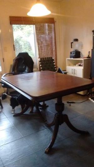Mesa antigua estilo ingles, maciza, excelente madera