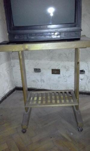 Mesita de arrime de pino, con dos estantes