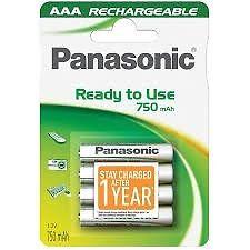 Pila AAA recargable Panasonic con carga
