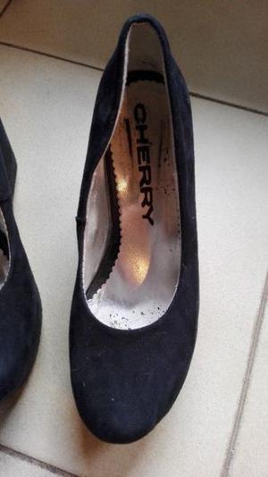 Zapatos negros gamuza 34 muy buen estado