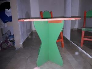 vendo o permuto mesa y silla para niños