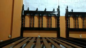 Dos camas anchas antiguas de 1m de ancho! De madera maciza