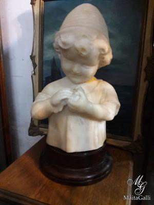 Fantástica Figura Antigua Niño Mármol Con Base De Madera.