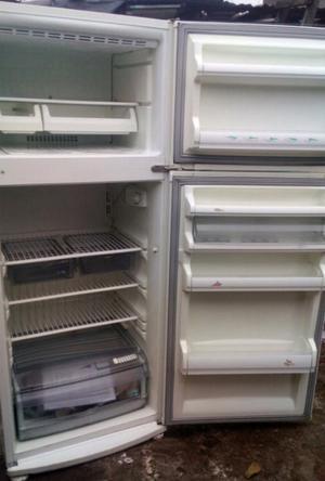 Heladera grande con freezer