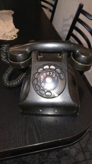 Teléfono antiguo usado