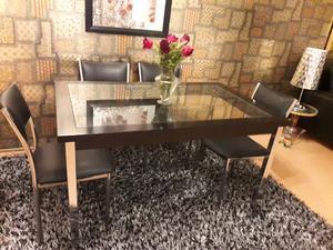 Vendo Mesa con tapa de Vidrio con 4 Sillas tapizadas
