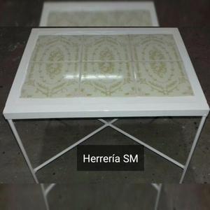 Vendo mesa ratona de hierro y ceramica y mesa para jardín