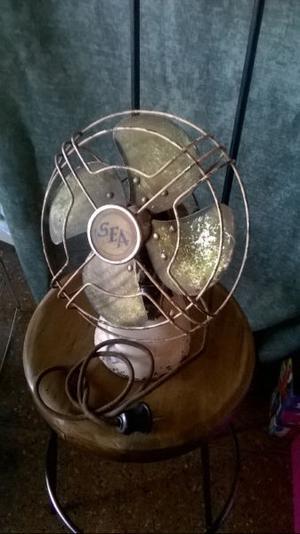 Ventilador De Mesa Antiguo Funcionando..