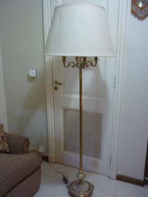 lámpara de pie de bronce macizo tallado con cinco luces