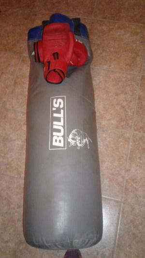 Bolsa de boxeo con guantes Bull s